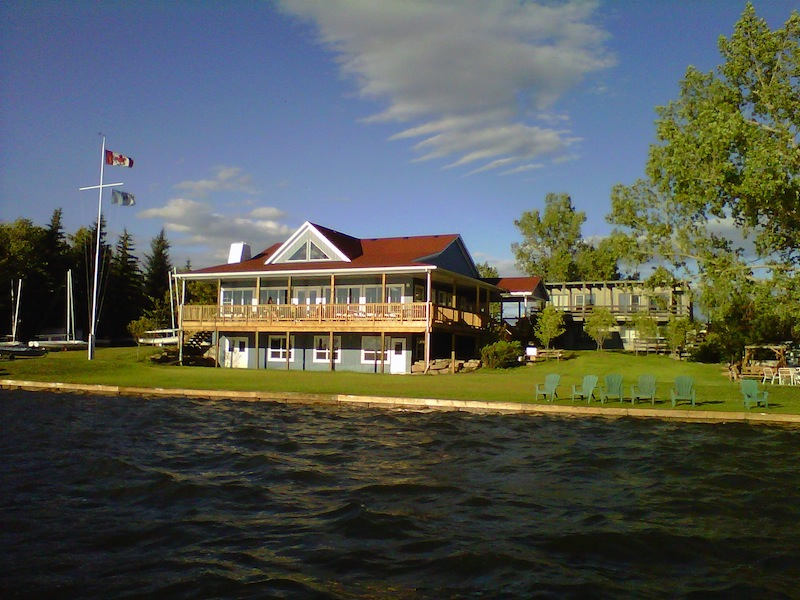Yacht Club clubhouse Photo by David Martin