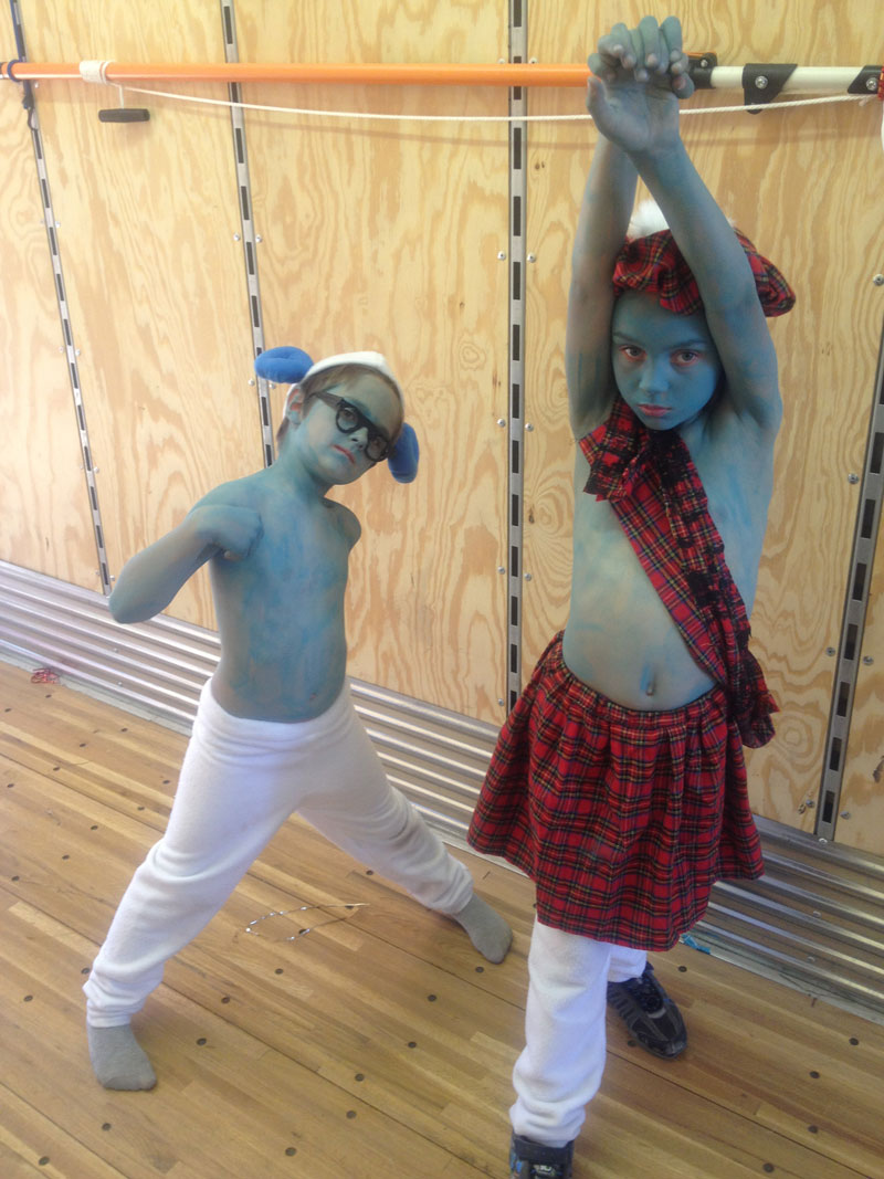 Performers in The Smurfs
