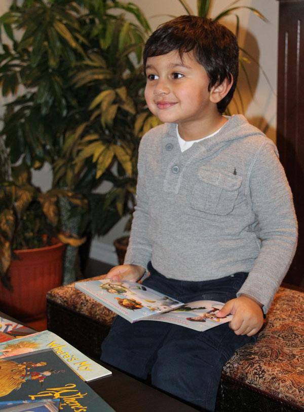 Virk-donates-birthday-books