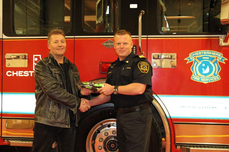 Schmitz Mittz donates to firefighters