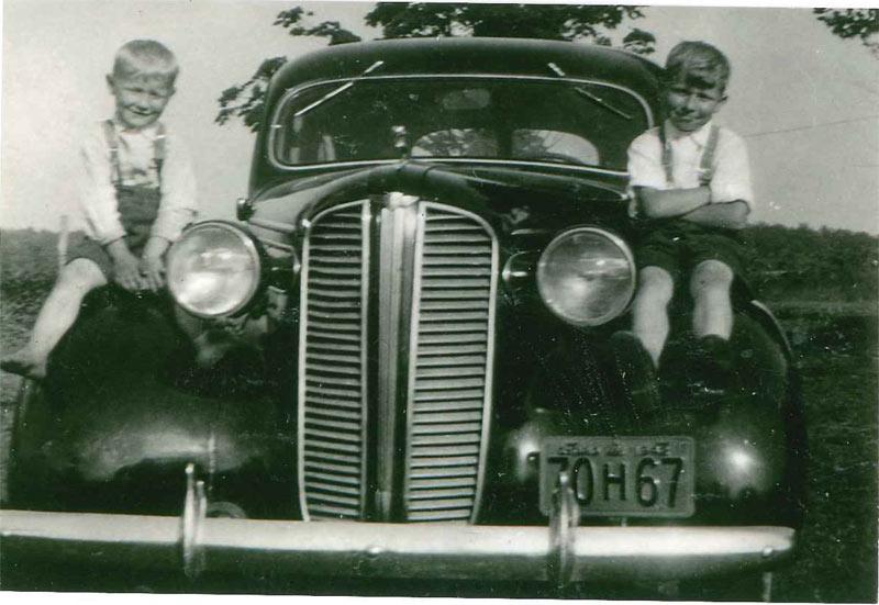 Story-Telling-3-Joe-Nagy-Family-Photos-1
